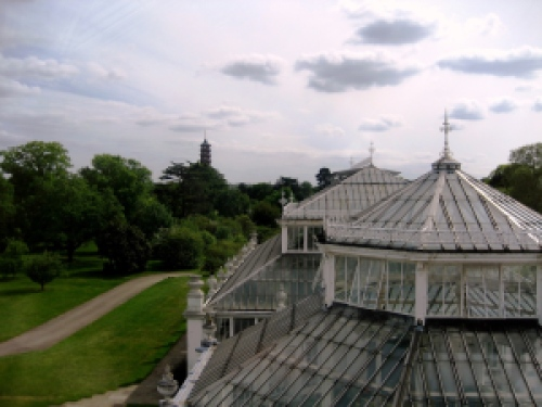 Kew_and_buckingham_200