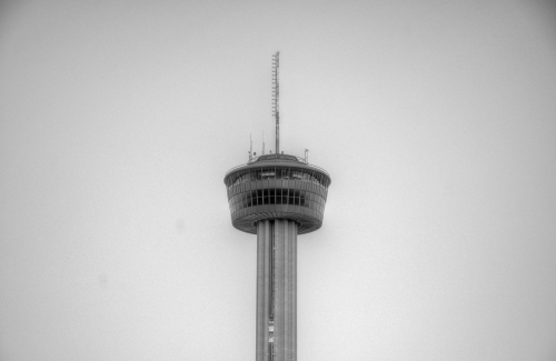 Tower_of_the_americas_hdr_bw