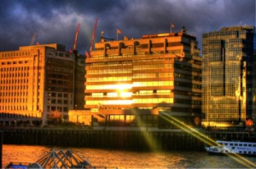 Riverside_sunlit_building_hdr