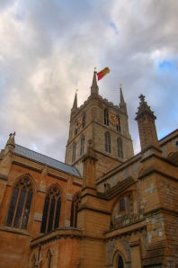Southwark_cathedral_hdr_2