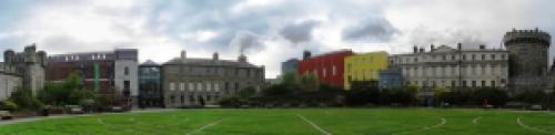 Dublin_castle_lawn_pan_2